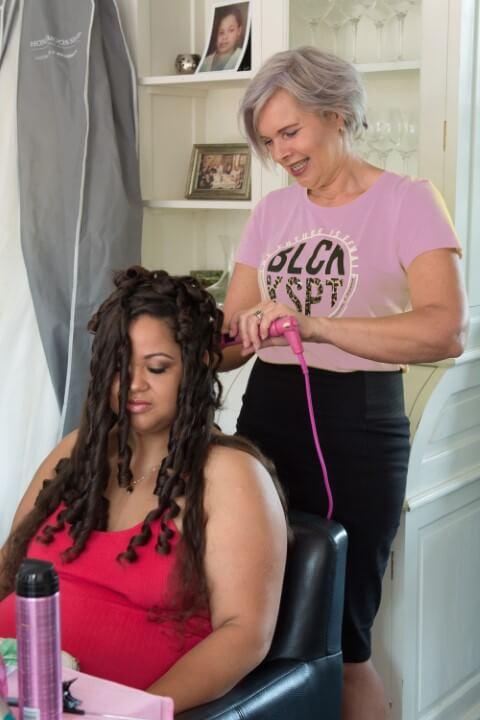 Sandra Bakker bruidskapsel bruidsmake-up feestkapsels haar en make-up